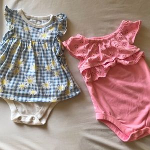 Other - ✨3 for 20✨ Granimal onesies size 6-9 months